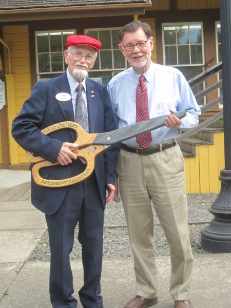 Bill Kievith and Ken Harris, a fellow development director at the Chamber, on their way to a ribbon cutting ceremony. Photo by Vanessa Salvia